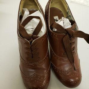 American Eagle 6.5 brown heels
